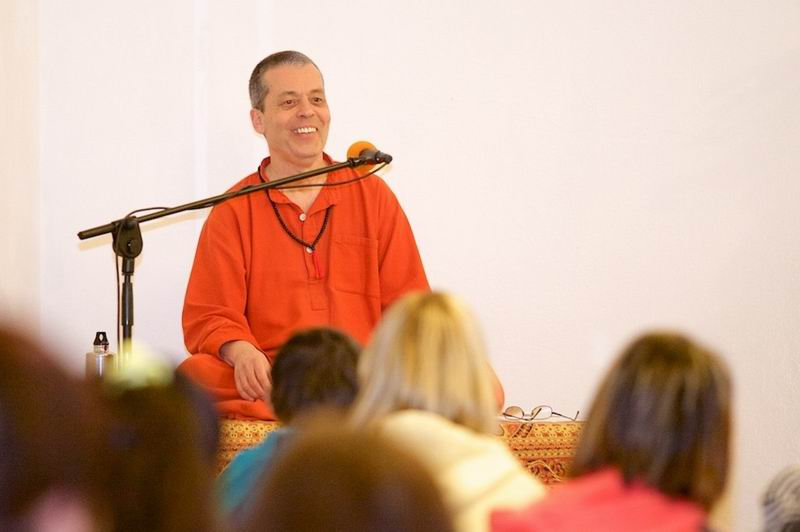 Swami Gajanand on 3 weeks seminar and satsang tour in Hungary​