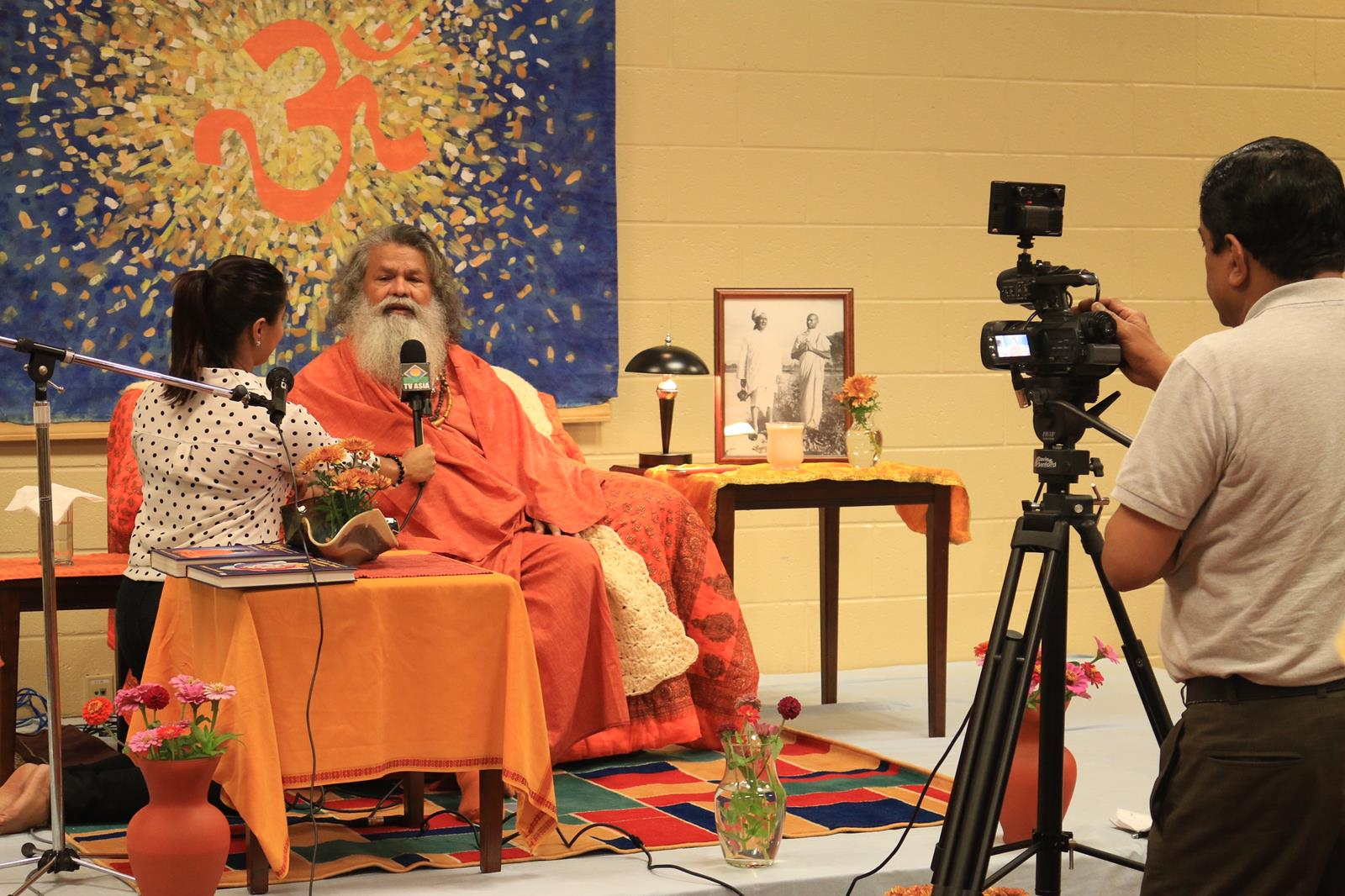 Vishwaguruji's World Peace Tour continues in the United States