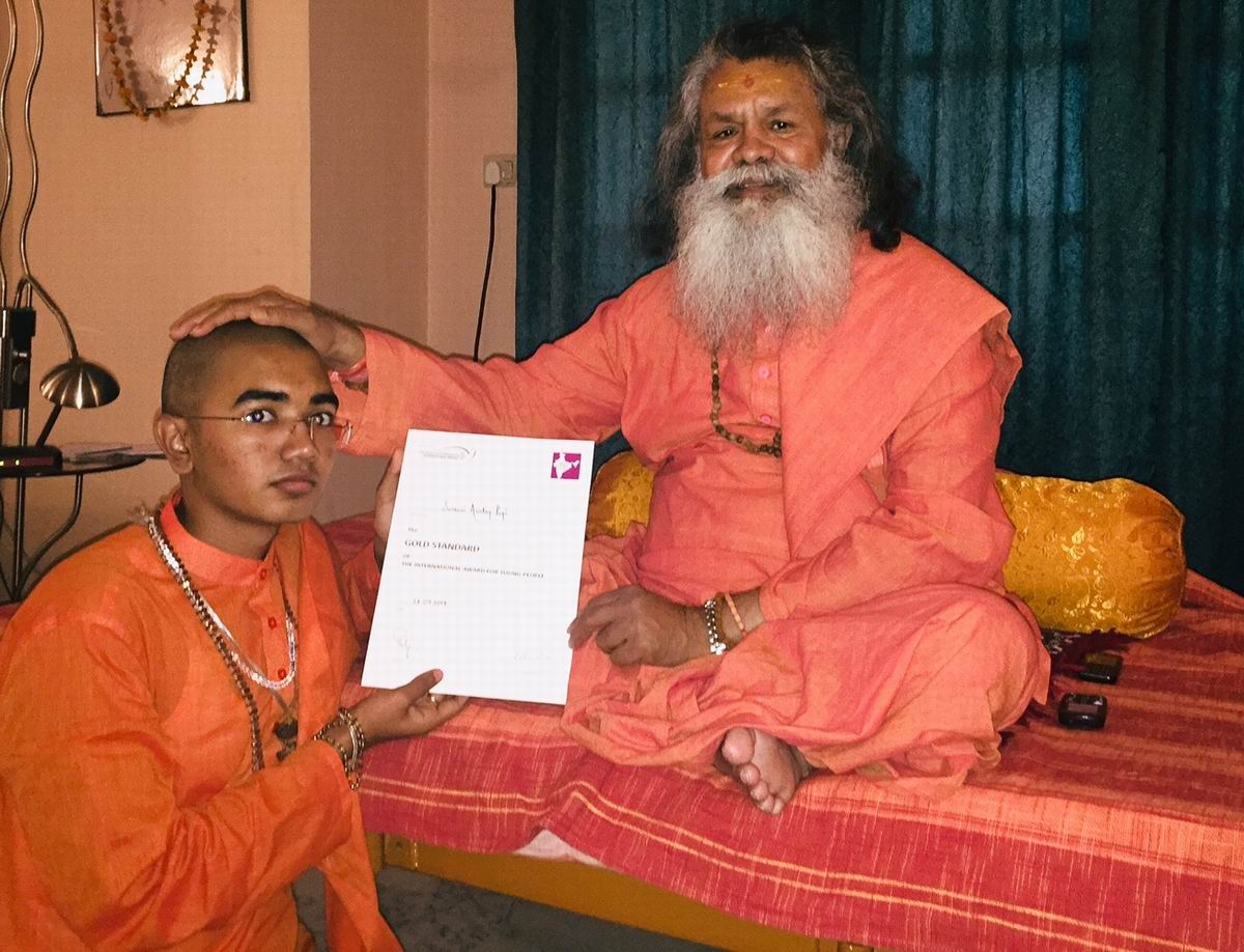 Swami Avatar Puri receives IAYP Gold Award