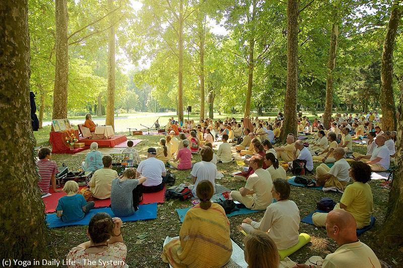 Yoga in Daily Life® Summer Retreat with Vishwaguruji in Vép, Hungary