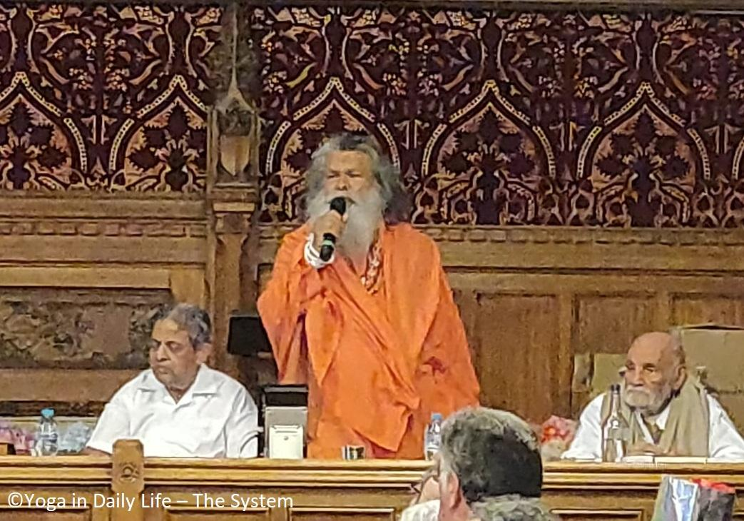 Vishwaguruji celebrates IDY in London, UK