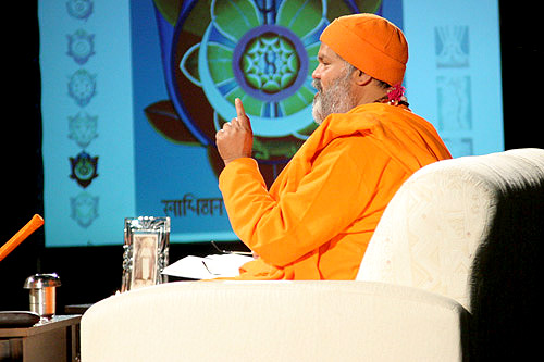 His Holiness Mahamandaleshwar Paramhans Swami Maheshwarananda at the public lecture in Ljubljana